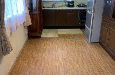 キッチン改修、床上張り